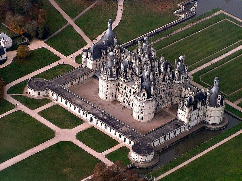 Chateau_Chambord_edit