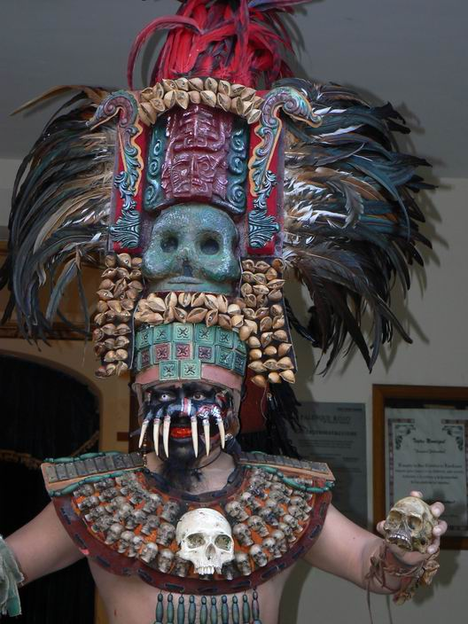 hroziva-maska