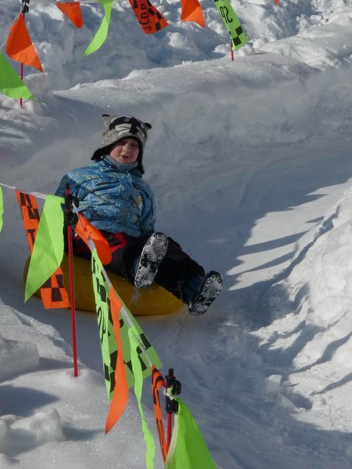resize-of-snowtubing-i-pro-male-deti